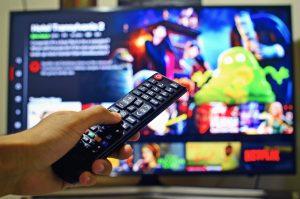 """Smart-TV"" m. Fernbedienung"